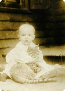 Dorothy in 1908, Hennepin
